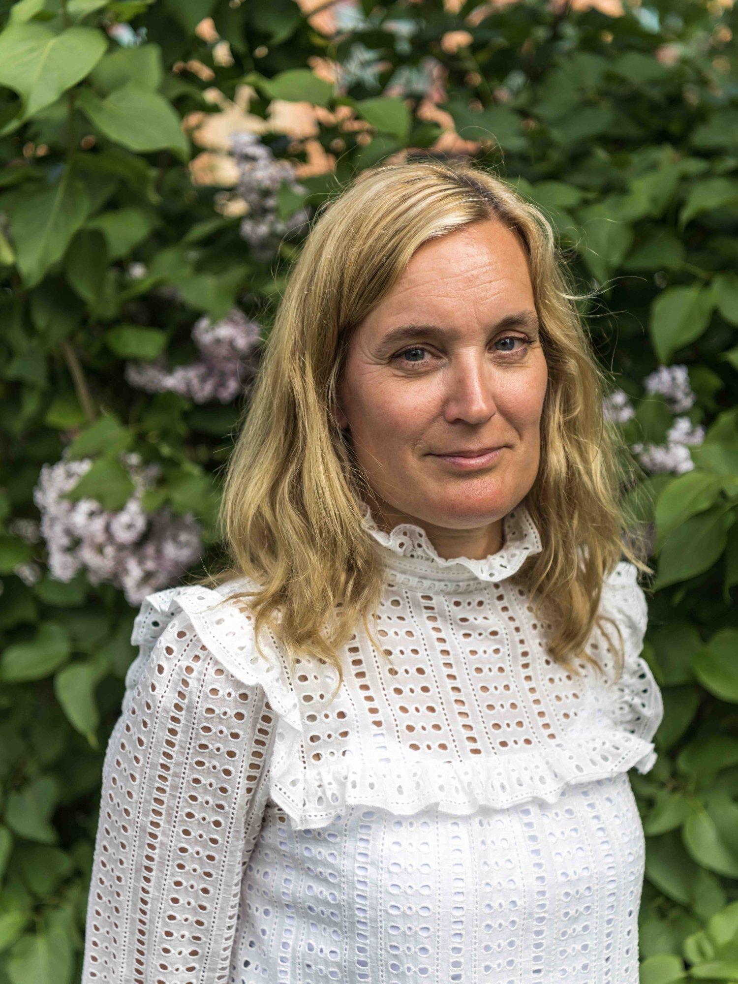 Porträtt på Ingrid i Sjölins Gymnasium.